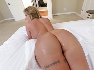 Hot MILF with immense tushy and round boobs is screwed meetly