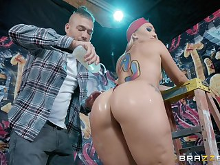 Big oily ass of Aj Applegate bounces on a thick dick