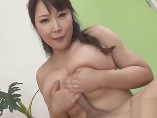 Big melons japanese stimulates her fur pie with powerful toys