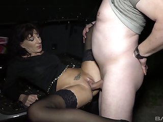 Hot mature finds out how good is to fuck in hardcore