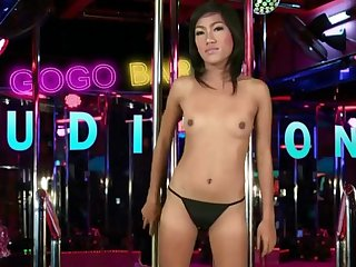 Thai chick with a fat pussy fucks for a gogo bar job