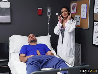 Female nurse feels like putting her lips to work this dong