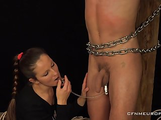 Mistress Pomstychtiva Pritelkyne pegs and abuses her make slave