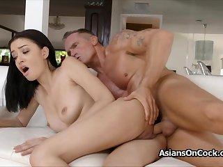 Perky Scarlett Bloom loves a good hard fuck