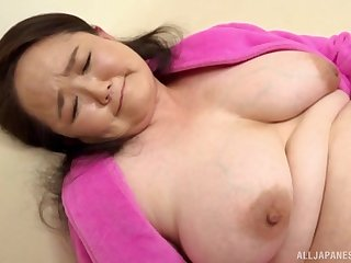 After dildo pleasing Sakuragi Junko wants to feel friend's cock in her hand