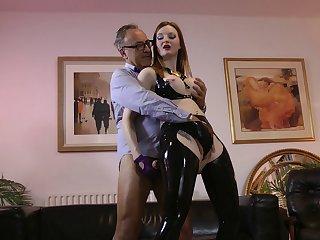Kinky latex girl makes his fetish sex dreams come true